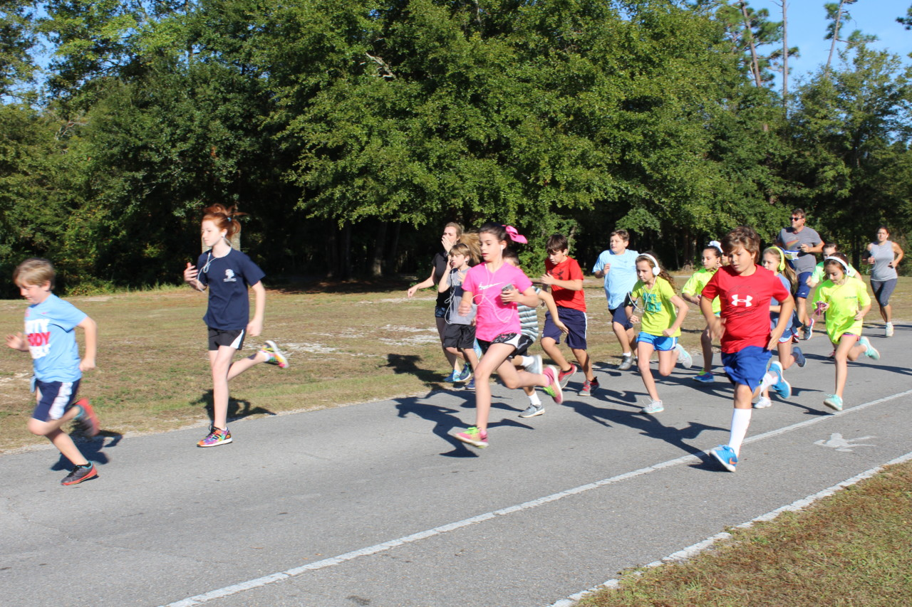Students compete in Fun Run at Hiller Park