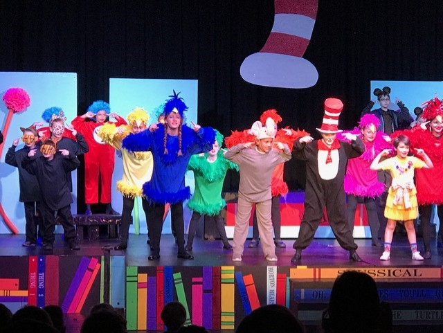 Caroline Dellenger, Dale Smith, Sarah Vyverberg, Sam Mandal perform in Seussical