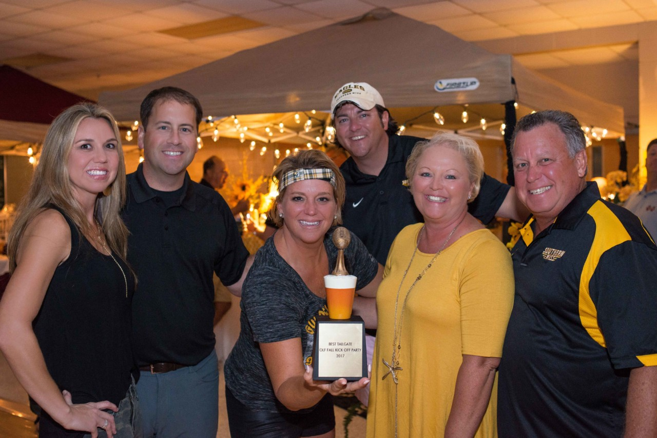 "USM tent captures 1st place for ""Best Tailgate"""